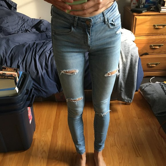 Light Blue Mid Rise Skinny Jeans with Rips